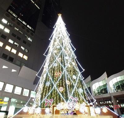 ドイツクリスマスマーケット大阪クリスマスツリー